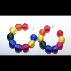 The Que Rainbow of Colors earring